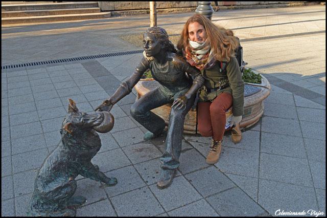 estatua plaza vigado