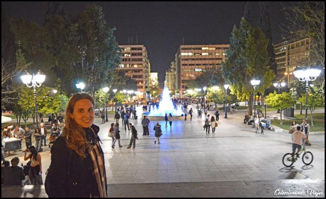 plaza syntagma iluminada