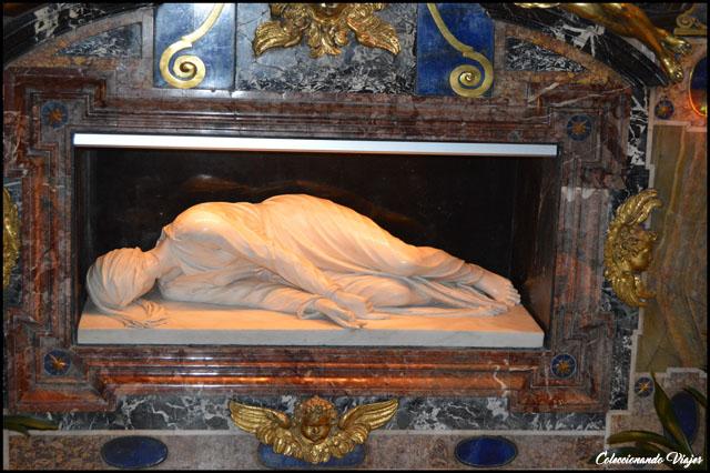 estatua santa cecilia