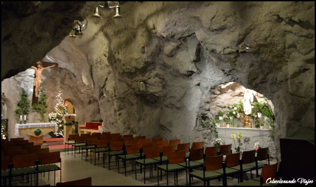 interior iglesia rupuestre budapest
